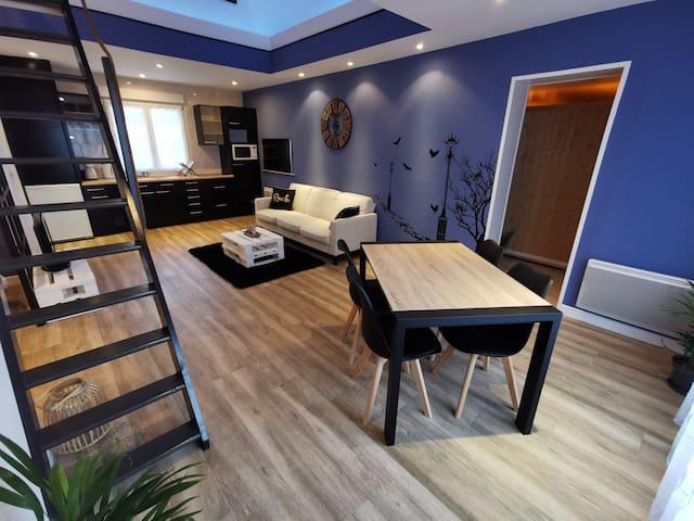 Studio rénové avec sauna et espace extérieur