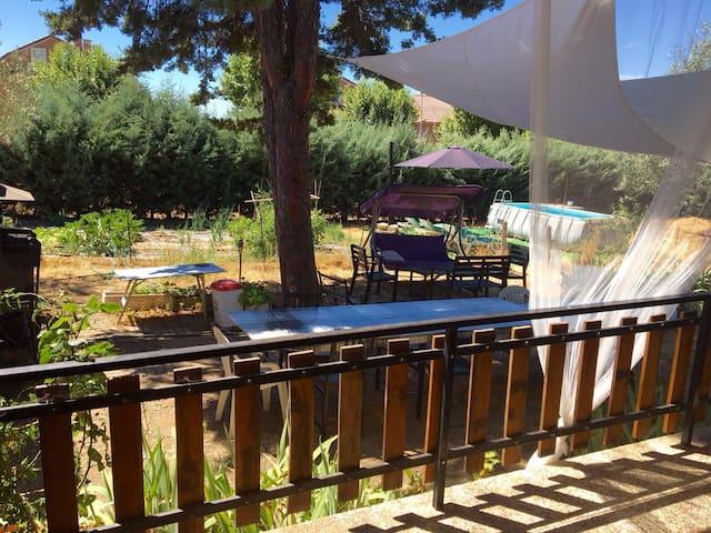 Casa campo con 1.000 m2 de parcela - Pedrezuela
