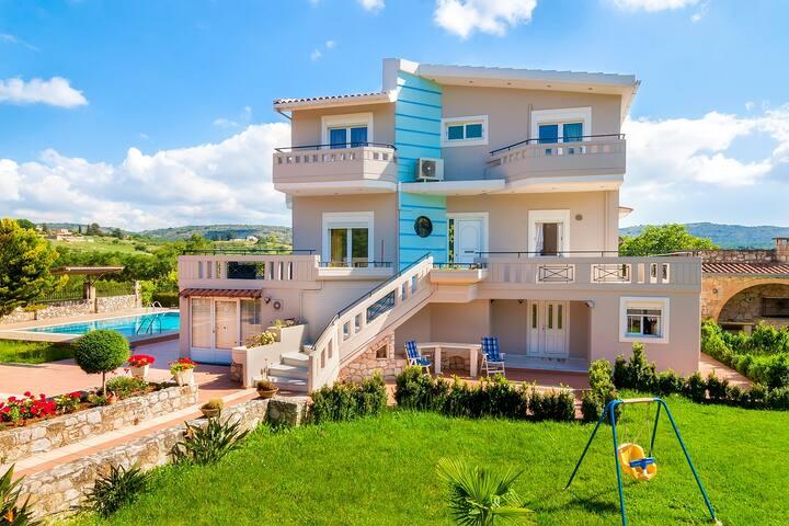 Beautiful- Unique -  Private - Villa Marianna - Vrises - Vila