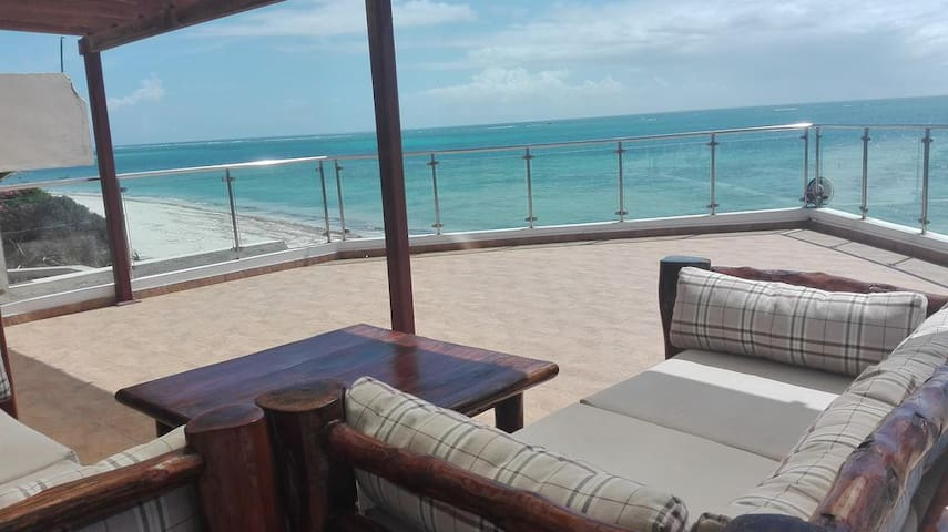 Panoramic studio on the Beach - Mombasa - Service appartement