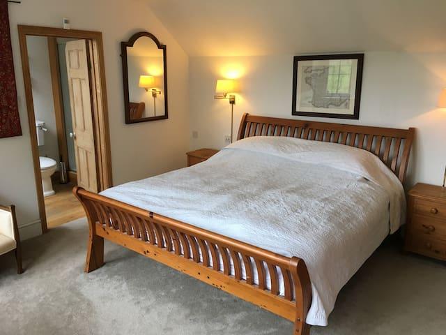 Large 5 Bedroom English Cottage with Cat - Ludshott Common