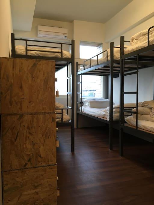 Room2-6個床位+個人上鎖置物櫃