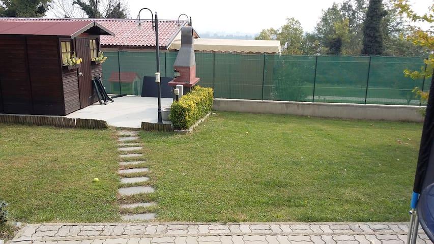appartamento indipendente in villa BRA ALBA LANGHE - Roreto - Apartment