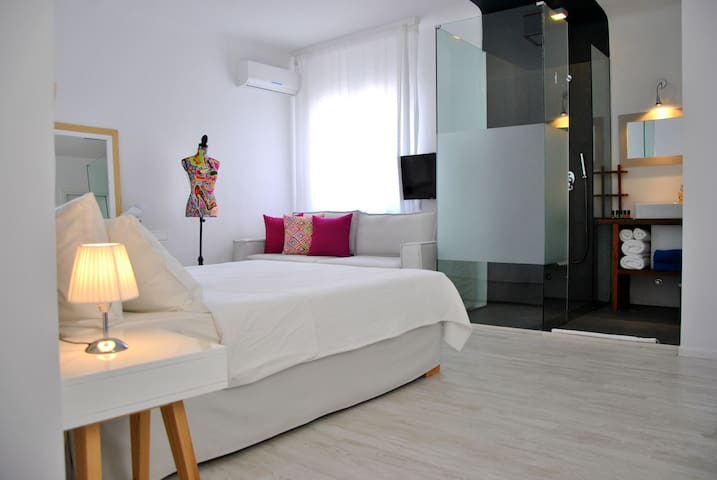 Spacious Room for 2(+2) at the heart of Mykonos
