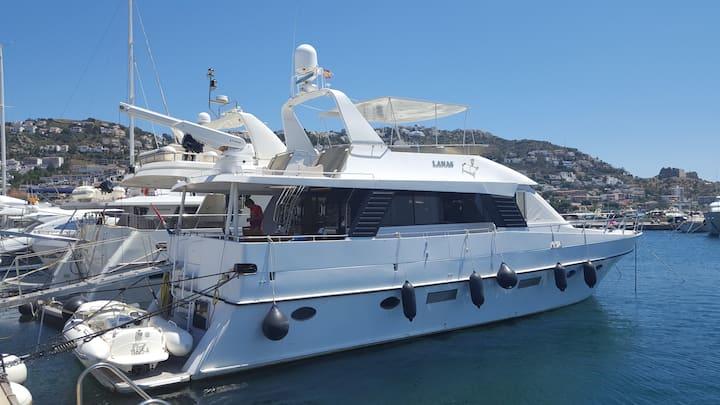 Magnifique Yacht de 20 metres à ROSES (Espagne)