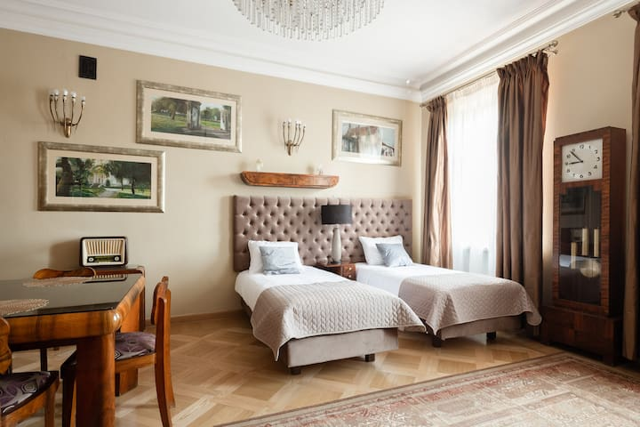 ★★★★★ Boutique Residence • Deluxe Suite 85m2