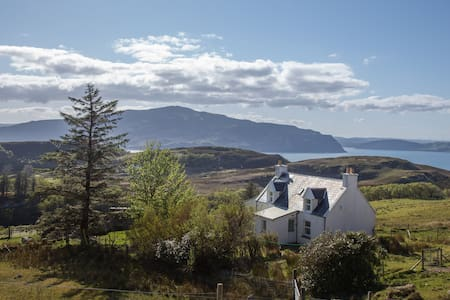Cottage on Raasay - spectacular views! - Balmeanach - Hus