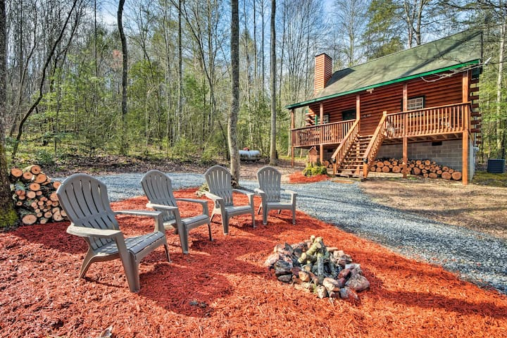 NEW! Upscale Epworth Cabin w/Deck- Near Blue Ridge