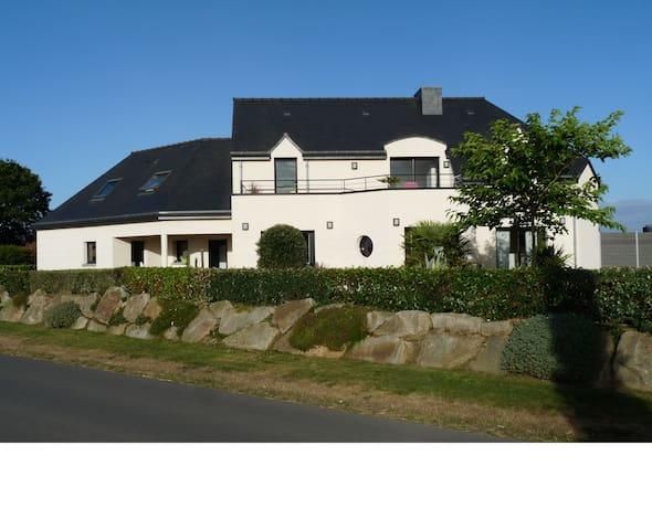 Grande maison entre terre et mer (Côtes d'Armor) - Quessoy