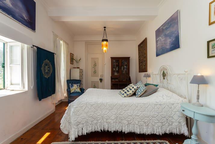 Room number 1: Master Suite, main floor