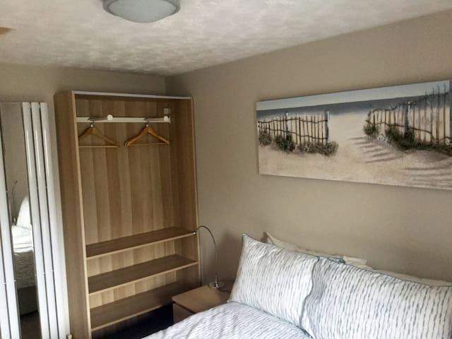 The Loft Guest Apartment - Bedroom 02