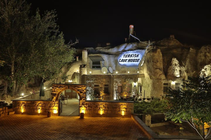 Turkish Cave House Hotel - Ortahisar Belediyesi - Bed & Breakfast