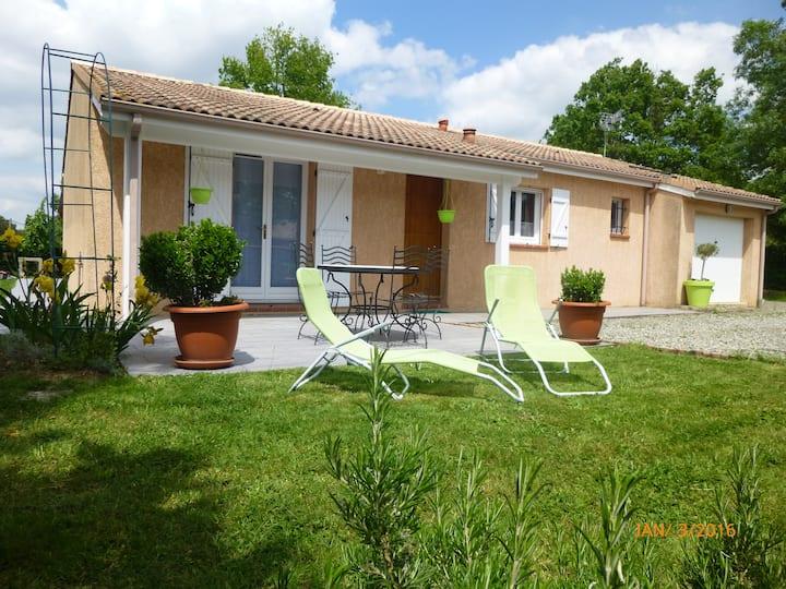 COSY HOME  3ch, parking et jardin clos - Au calme