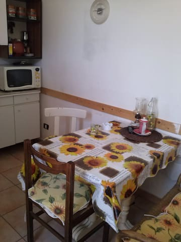 Private room with 1 single bed, Historic Center - Neapel - Wohnung