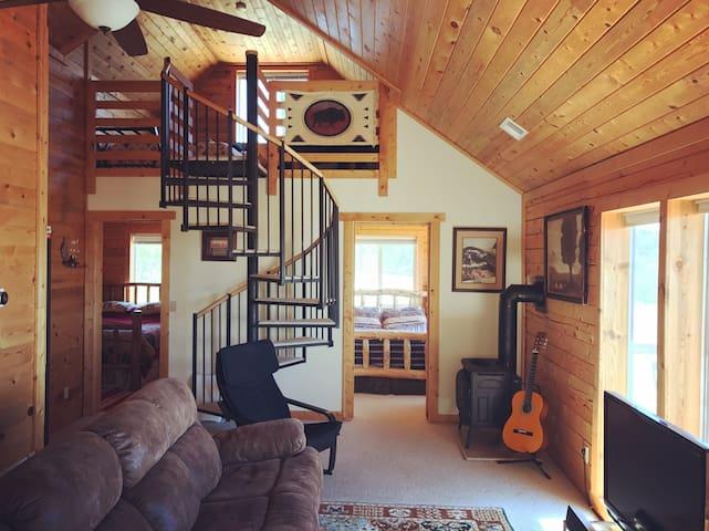 Parker's Peak Smart Cabin w/Mtn Vistas & Disc Golf