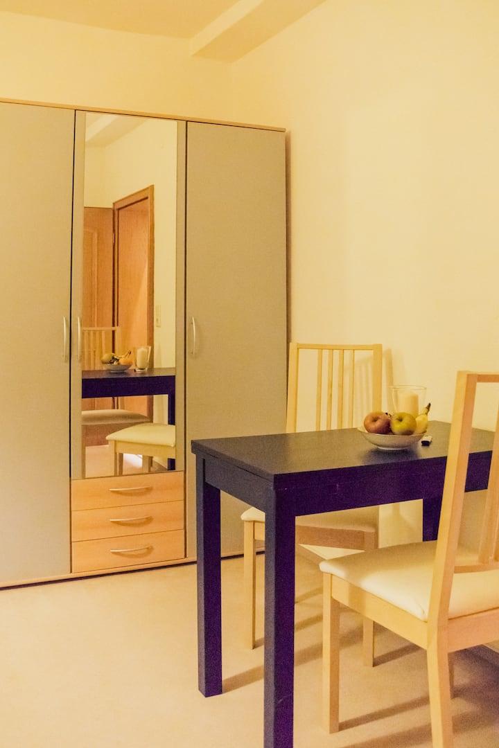 Mini-Appartement inkl. Stellplatz in Innenstadt