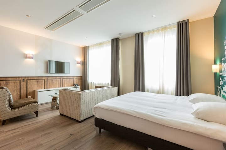 ID APARTHOTEL - Studio Apartment - Combine the space of your own apartment with the luxury of hotel facilities
