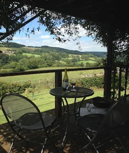 Summer House with amazing views - Stroud - 小木屋