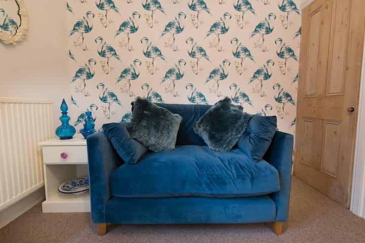 Comfy sofas everywhere!