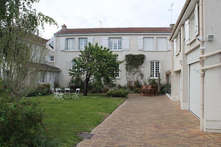 Maison 125m2 - Parking - Jardin