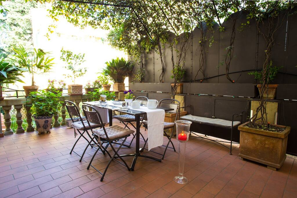 La pergola central apartment with lovely terrace flats for Terrace pergola