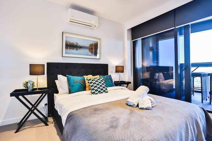 Sky One 2BD/2BR Apartment * Perfect view+WIFI -29F