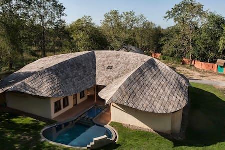 Eco Friendly Suite Room - Chiang Mai - Arazi Evi