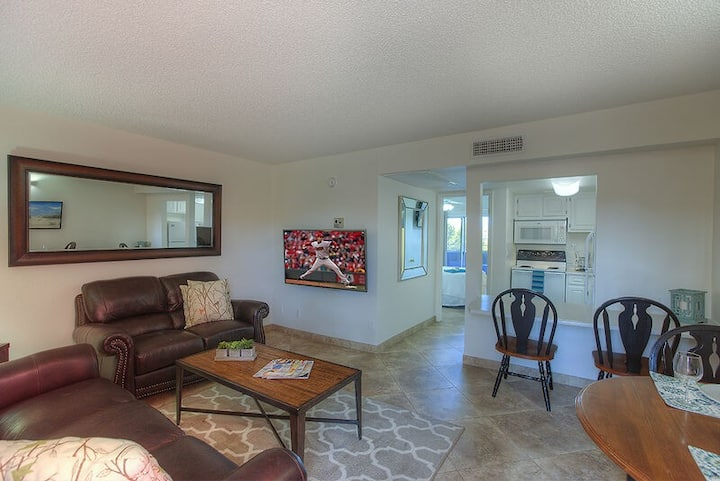 Suite 205-Book your Scottsdale getaway today! Great amenities, location and price!