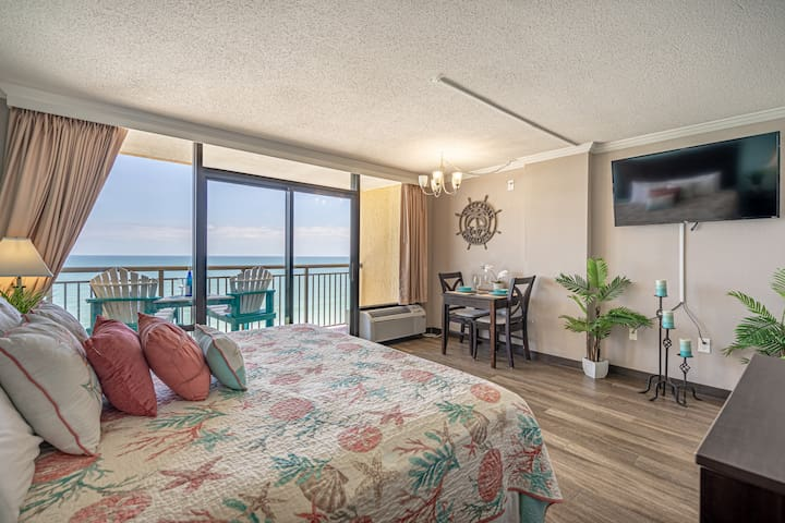 14th Floor Ocean FRONT King Suite - Caravelle Resort