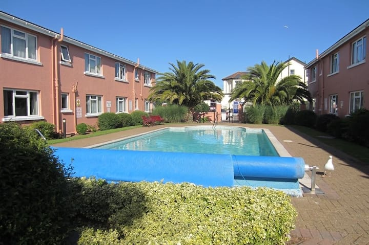 Perfect Location near the beach in Paignton!