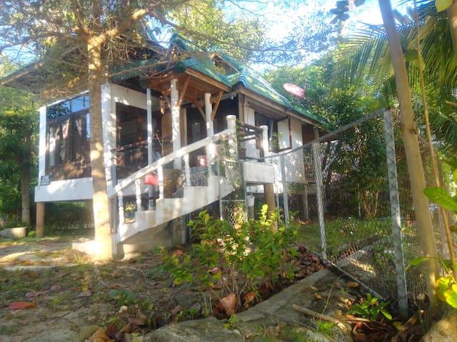 Beach House w Fan