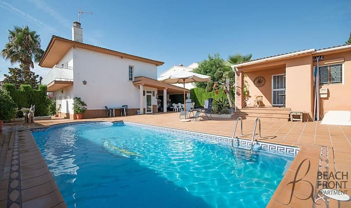 R9 Holiday house with pool Calafell