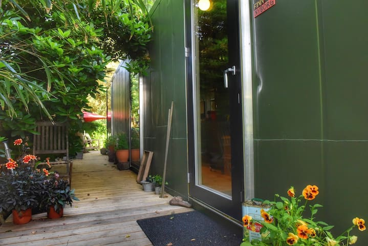 Supercharmerende Tiny House i Skæring Strand
