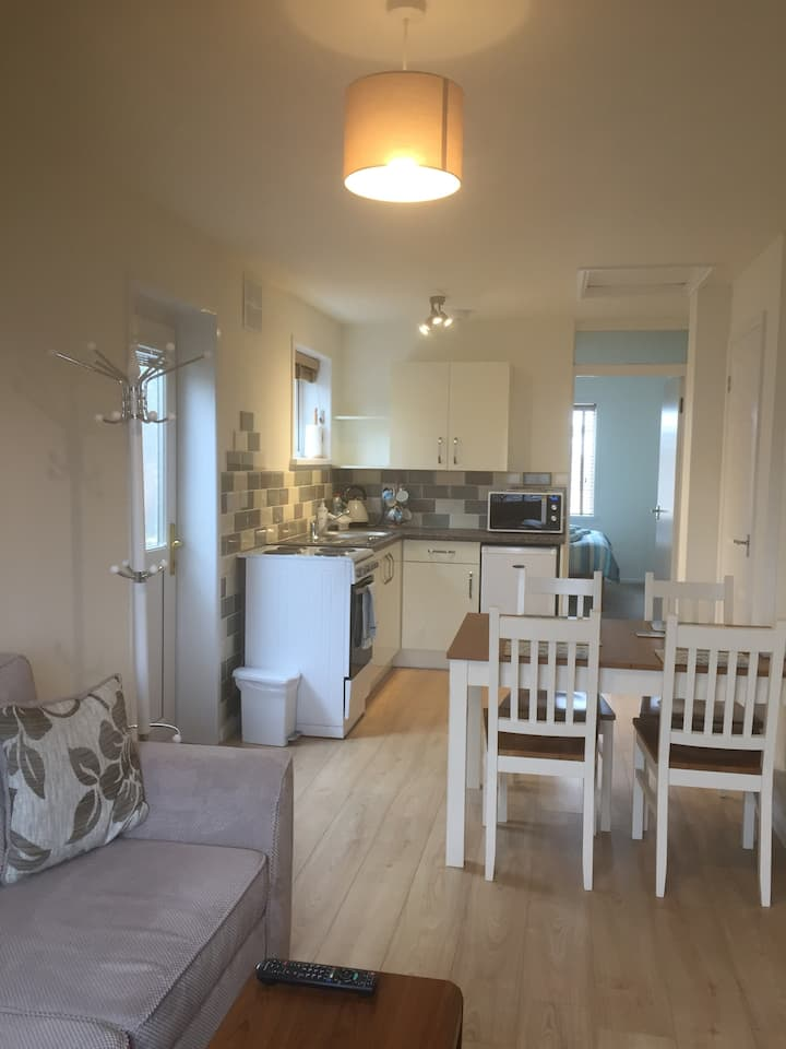 Cosy flat close to the sea, town and amenities