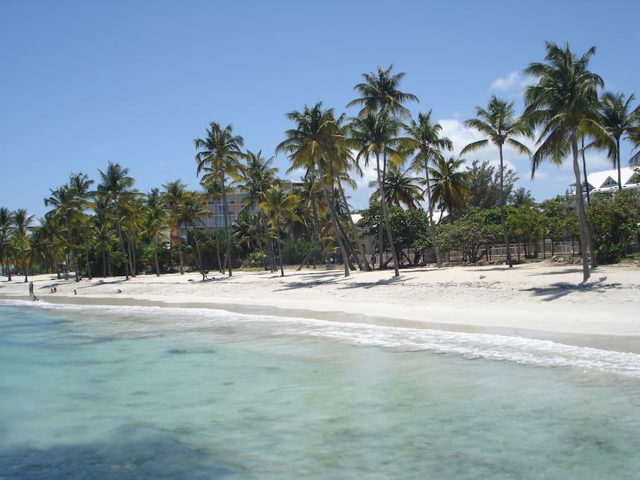 plage accessible de la résidence