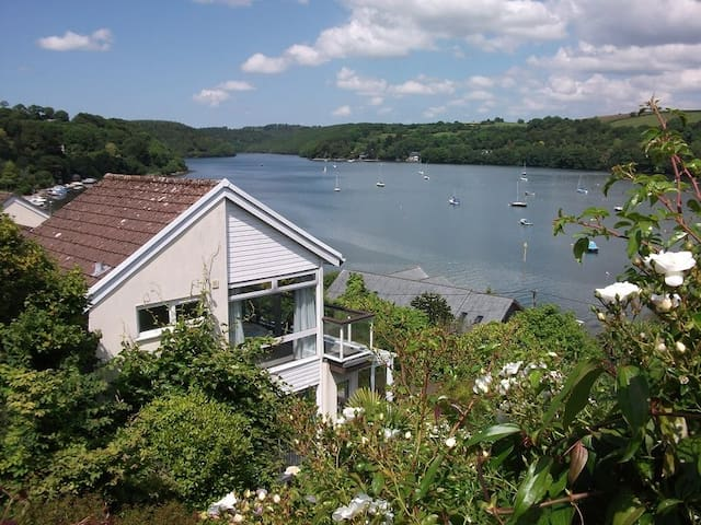Cascade Cottage on Fowey estuary - Golant - Casa