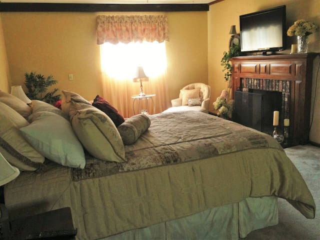 The Master Suite at The Moran Inn