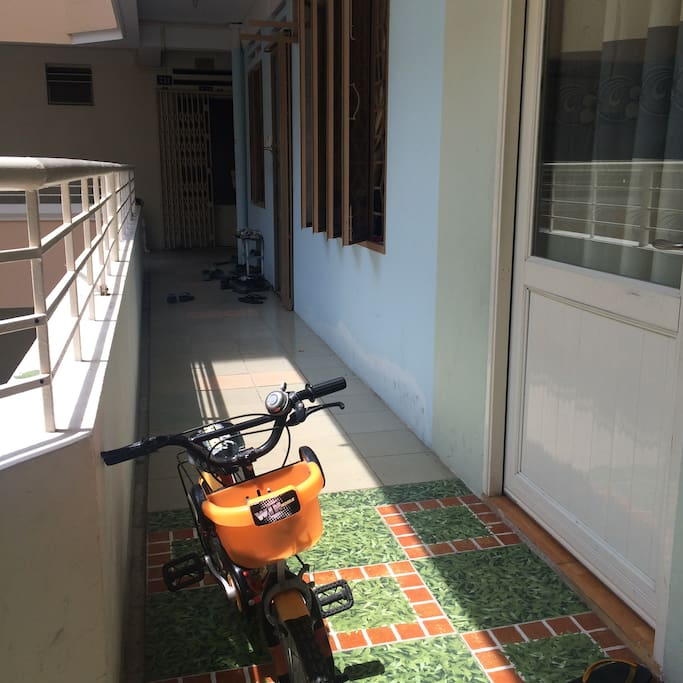 Corridor for bike Коридор светлый для велика