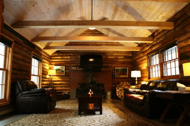 Sunapee Log Cabin | Ski, Kayak, and Relax!