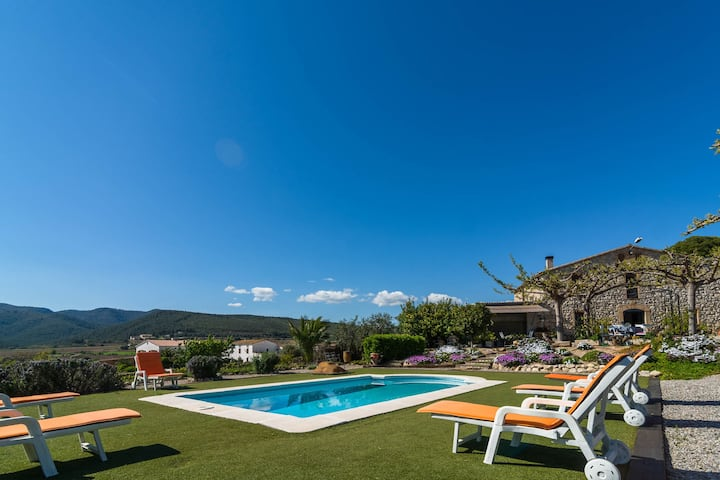 Luxurious Mansion in la Múnia with Swimming Pool and Views