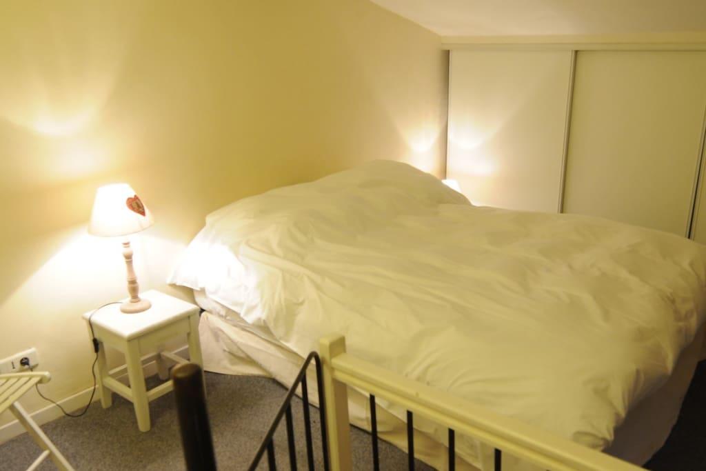 Chambre 2 en mezzanine