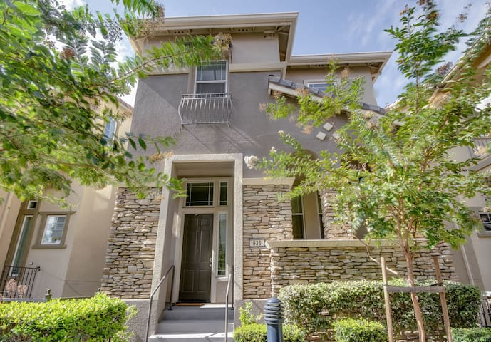 3BR Townhouse in Milpitas
