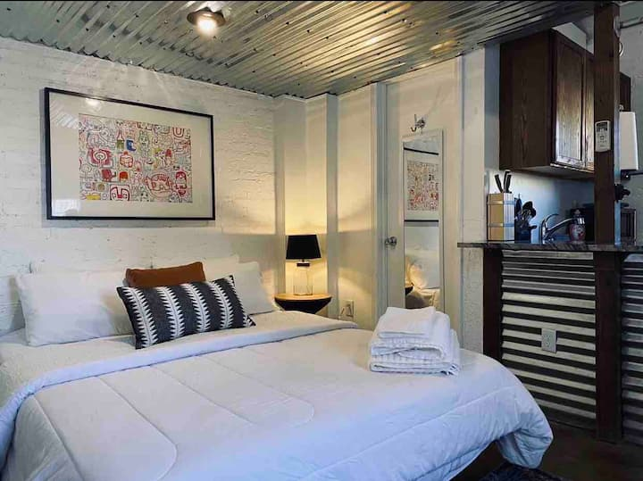The Route 66 Loft *With Private Yard*