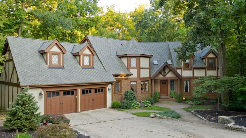 Stunning Tudor home in Muirfield Village