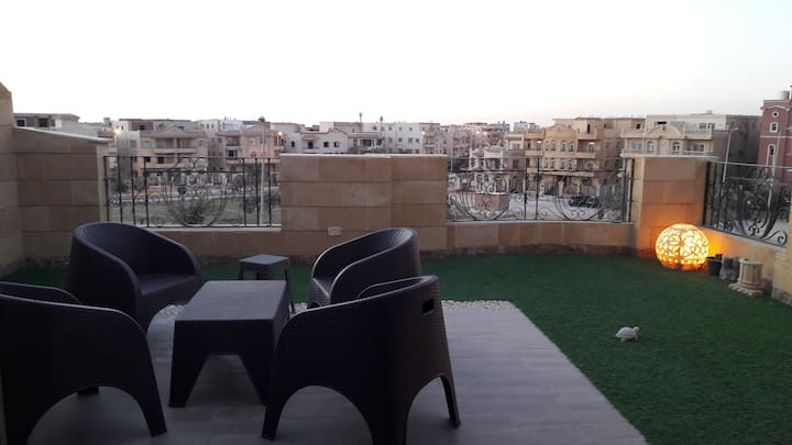 Cairo Sunny Sky and Garden View Rooftop apartment