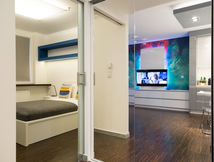 Pure Rental Exclusive  Apartments G1211   Wi-Fi,TV