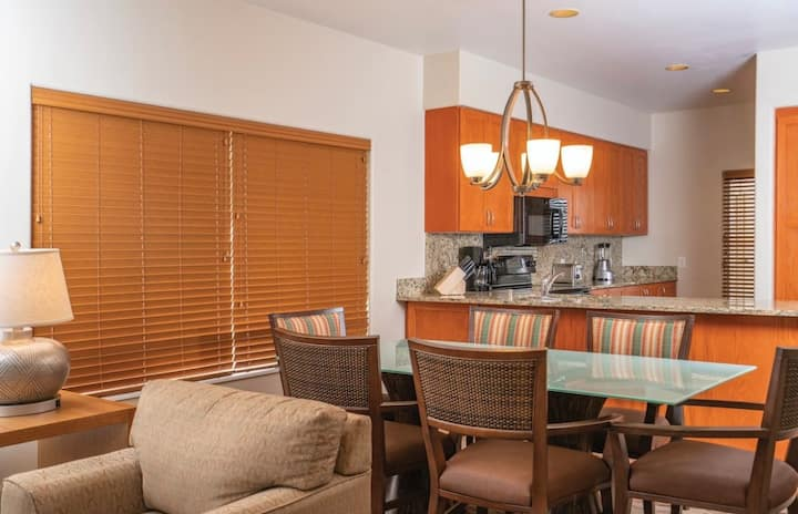 2BR Hawaiian Suite w/ all the comforts of home