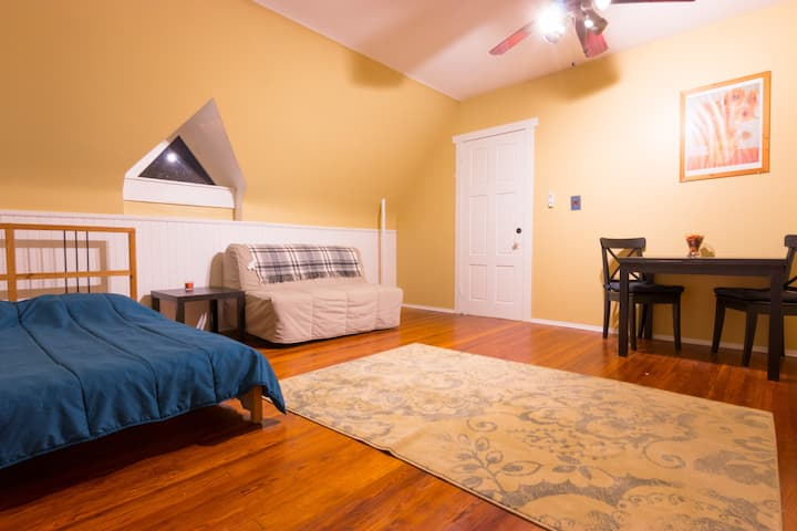 The Sunflower Room at a Historic Germantown home.