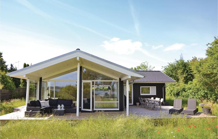 Holiday cottage with 3 bedrooms on 124m² in Jægerspris