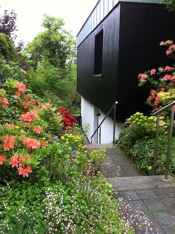 Wuppertal Cronenberg: Vollausgestattete 70 m2